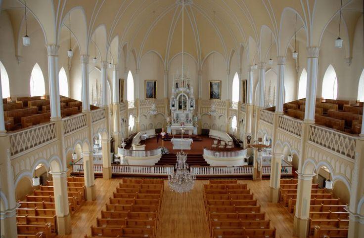 Intérieur de l'église de St-Roch-des-Aulnaies, Qc.