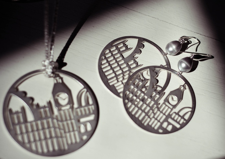 London necklace and earrings