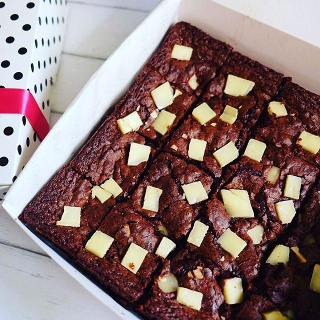 Our signature, Nutella Cheese Brownies. Forever and always.  Try our brownies... and you will know the difference between our brownies and the one that you have ever tasted... Guarantee 100% you will come back again!  Please order via Whatsapp: 0816.823.147  As always we promise you the freshness of our brownies. You may order it today and receive it tomorrow. We do not store our brownies for more than 1 day…