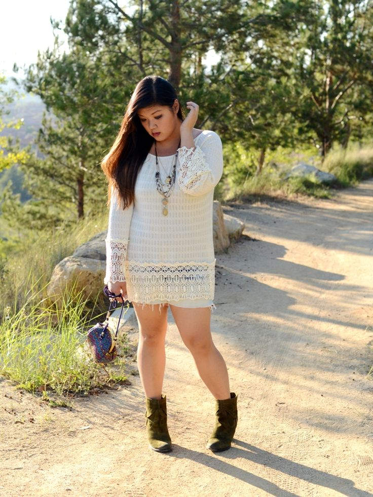 Curvy girl chic plus size fashion blog umgee boho look those are cutoffs under the crochet Bohemian style fashion blogs