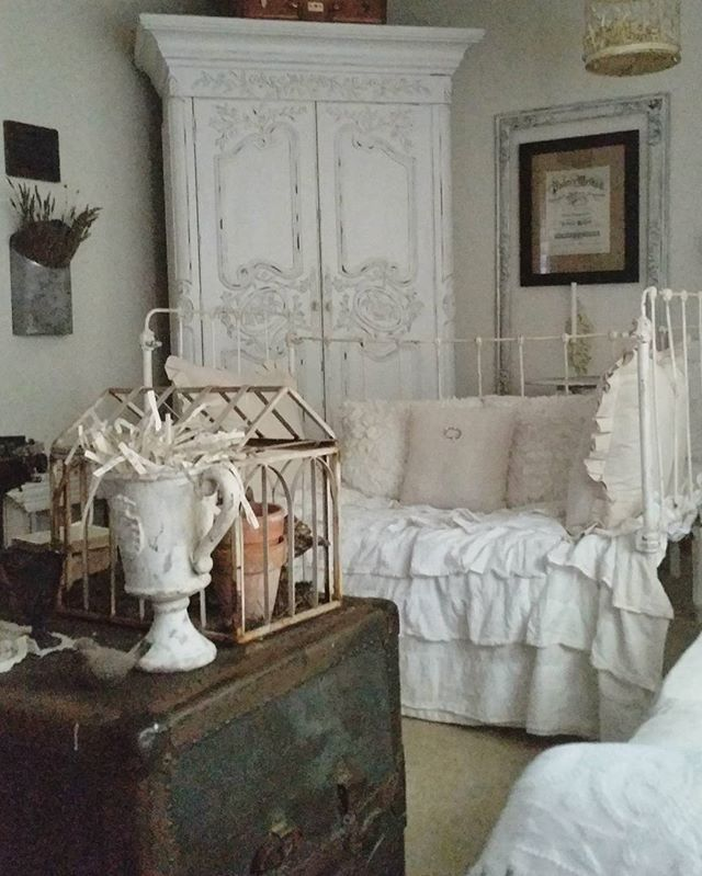Old trunk & crib settee