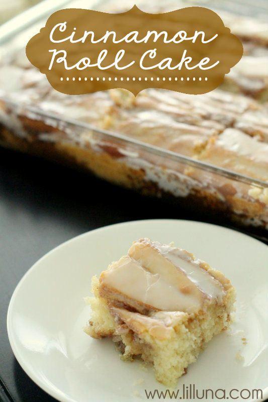 Cinnamon Roll Cake - a must-keep recipe from { lilluna.com }