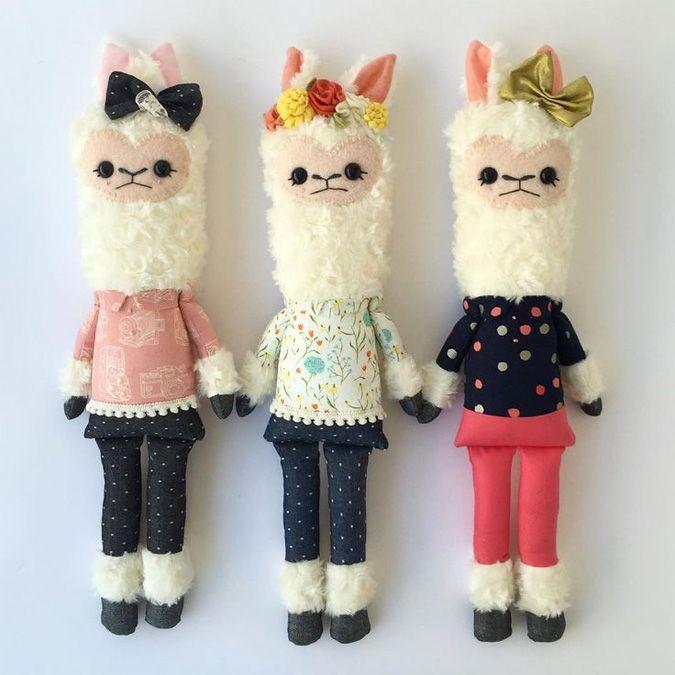 Friends of Hadley llama sisters CUTE!