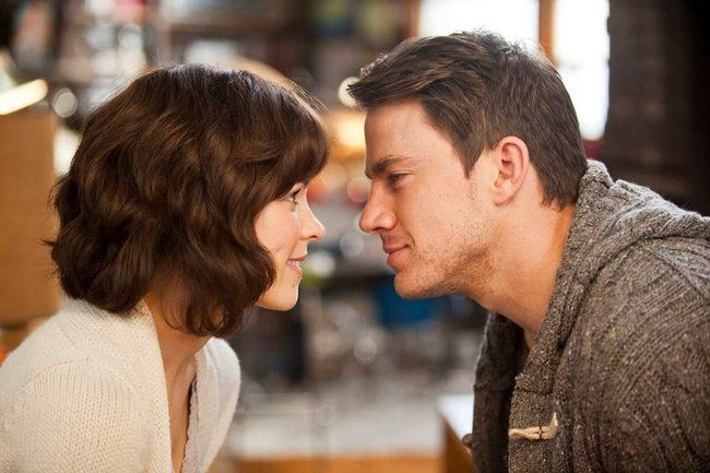 Les 30 films d'amour romantiques à regarder à Noël ! (avec images) | Film d'amour, Films de noël ...