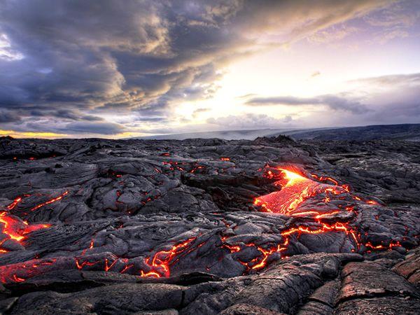 JAL - 絶景コレクション:ハワイ島 キラウエア火山(JAL旅プラスなび)