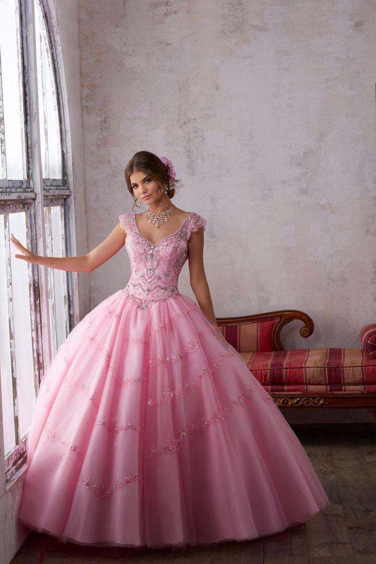 Elegancka balowa suknia VIZCAYA na ramiączka Piękna zdobiona kryształkami ,warstwowa spódnica z tiulu. Haftowany koralikami gorset. Suknia na ramiączka. Dekolt …
