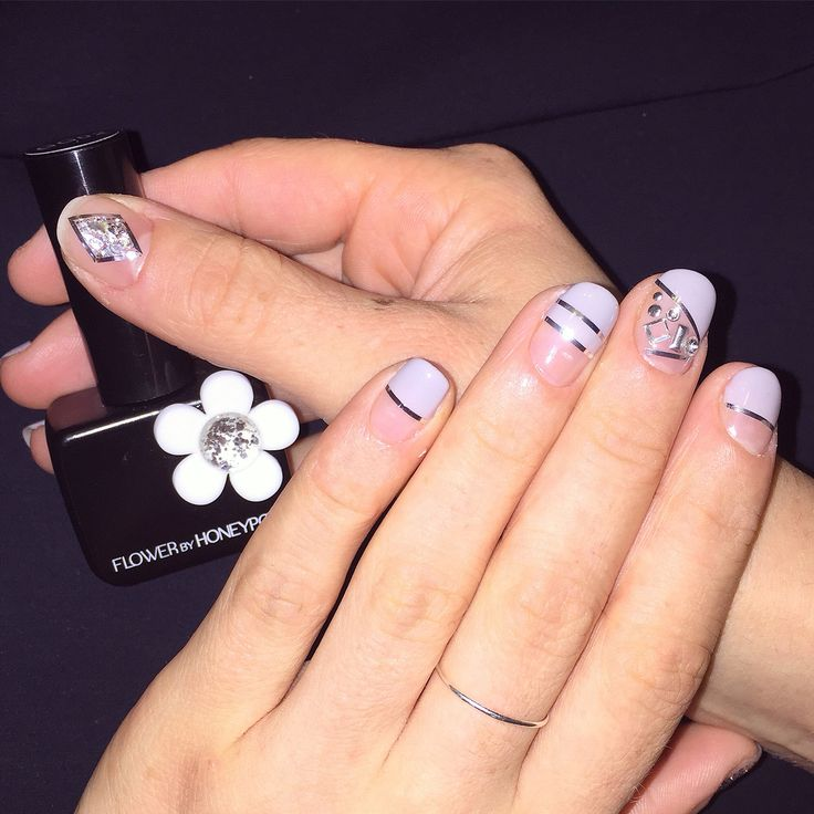 Geometric nails. Line tape nailart. Studs. Flower by Honey Pot.
