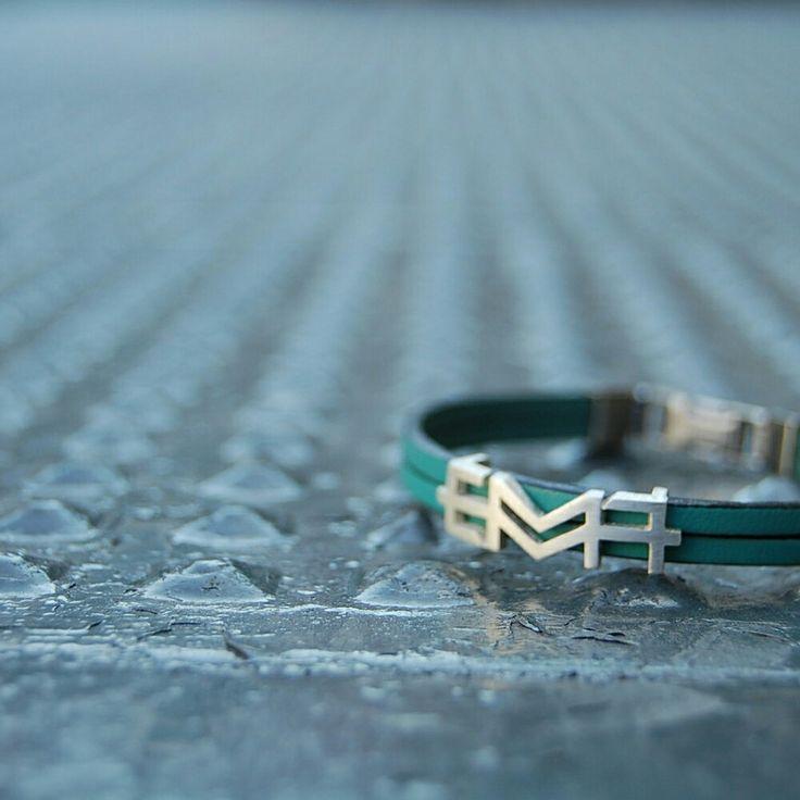 EMMA.Polsera. Pulsera. Bracelet. Pequeñas joyas, grandes detalles. Small jewels, great gifts. www.argentumwords.com
