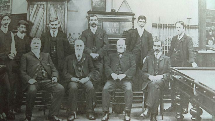 The Hull United Liberal club snooker team. Home matches were played Holderness road.  1908.