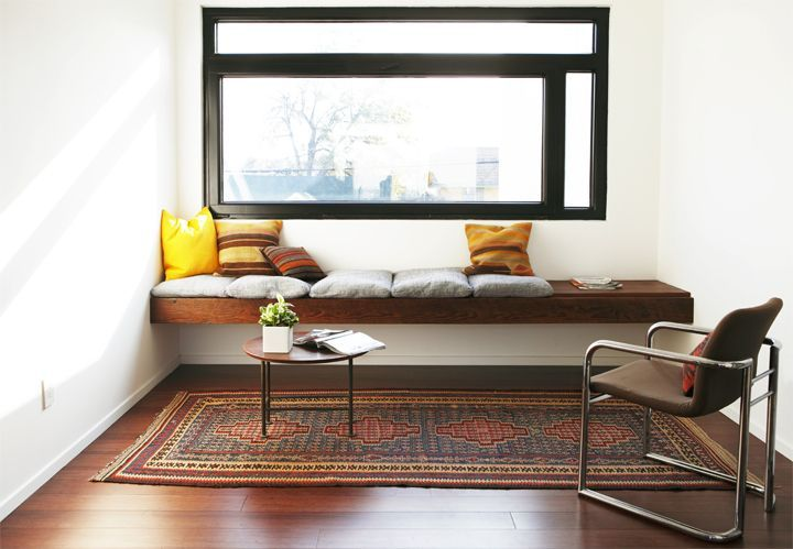 lovely: Window Benches, Idea, Brick House, Built In, Meditation Corner, Living Rooms Window, Sofas Tables, Reading Nooks, Window Seats