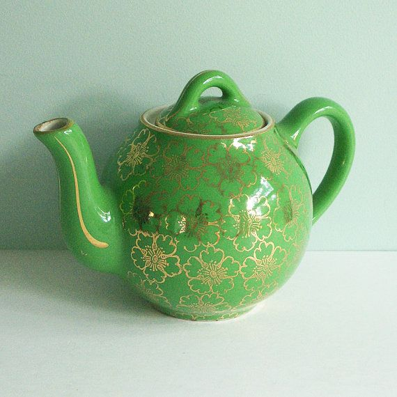 Tiny Hall China Teapot in Green w/ Gold French Flower Decoration (T-Party Antiques)Chintz Teapots, French Flower, Teas Pots, Green Teas, China Teapots, Teapots Collection, Flower Decor, Teas Parties, Green Teapots