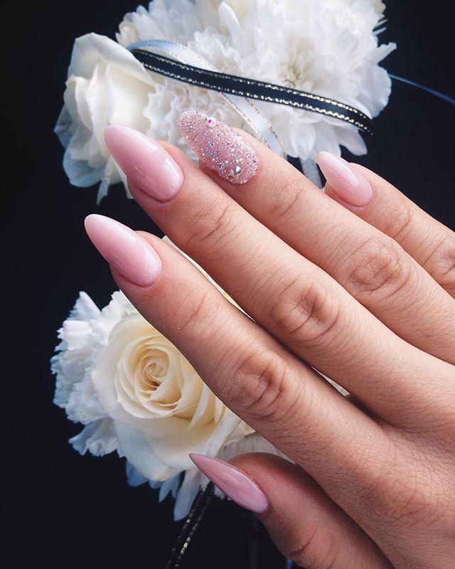 Ślubne Jutro bedzie pięknie #love #wedding #bridal #party #nails #nude #manicure #longnails #swarowski #rose #happy