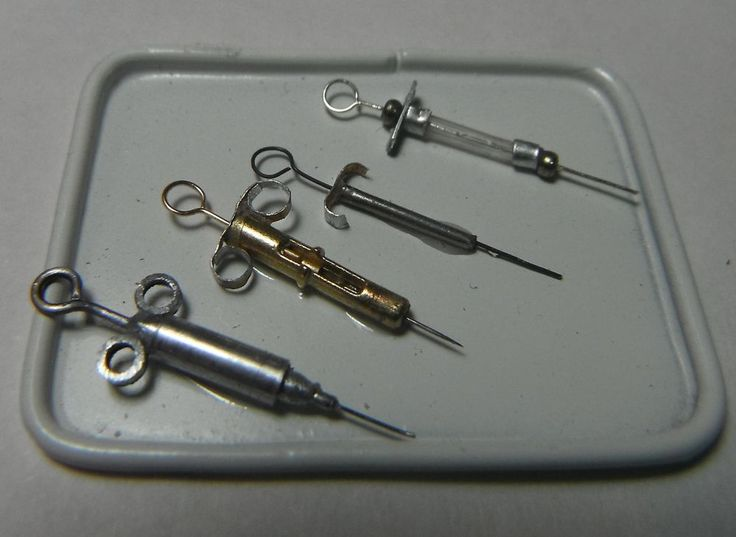 Doll miniature handcrafted Medical Surgical needle tray 1/12th scale Syringe #NorthernLitesMiniatures