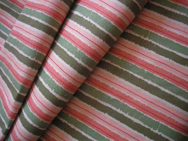 látka - metráž - proužek PROUŽKY v kombinaci barev - bordó, starorůžovéa dvou odstínů zelené, cena uvedena za 0,5 metru, 100% BAVLNA, šíře 140 cm