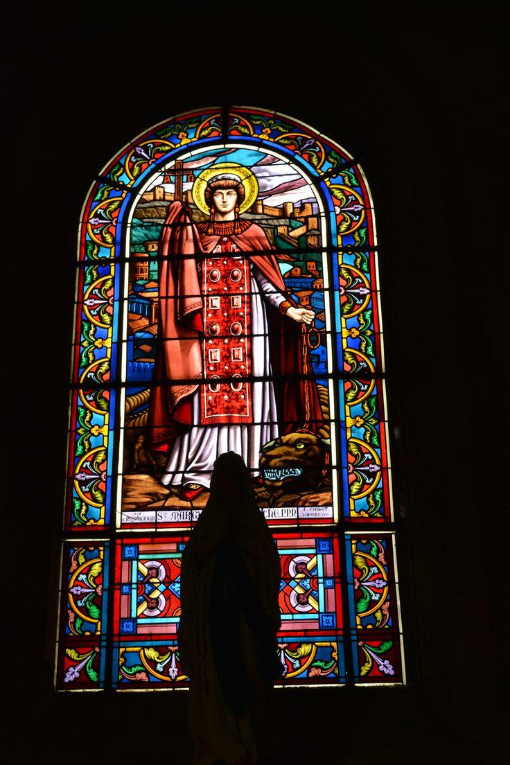 Glas in lood (stained glass) kerk (church) Guéret, Frankrijk (France)