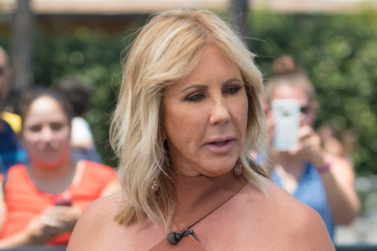 "Vicki Gunvalson's daughter 'almost died' due to dirty scalpel Sitemize ""Vicki Gunvalson's daughter 'almost died' due to dirty scalpel"" konusu eklenmiştir. Detaylar için ziyaret ediniz. http://www.xjs.us/vicki-gunvalsons-daughter-almost-died-due-to-dirty-scalpel.html"