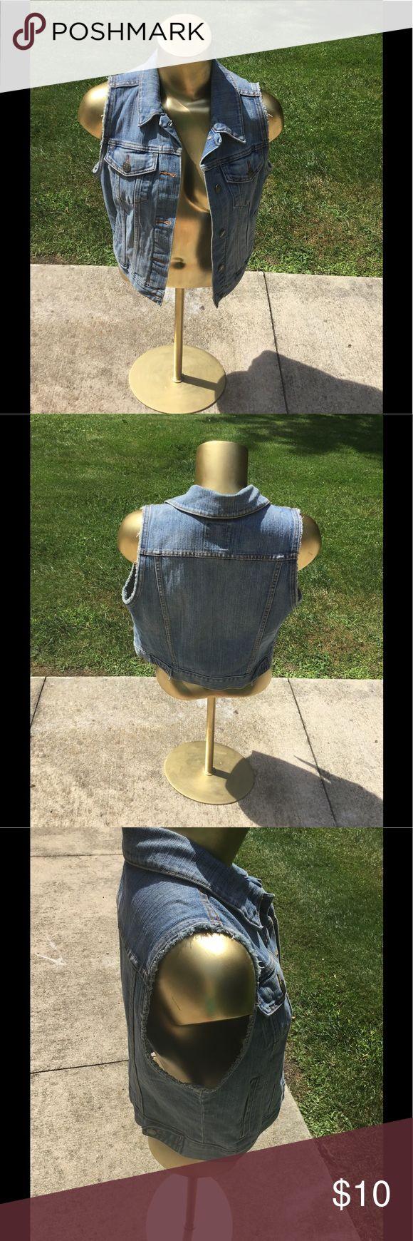 Old Navy jean Jacket Vest...Size Medium Old Navy Jean Jacket Vest ...Size Medium... Excellent condition Old Navy Jackets & Coats Vests