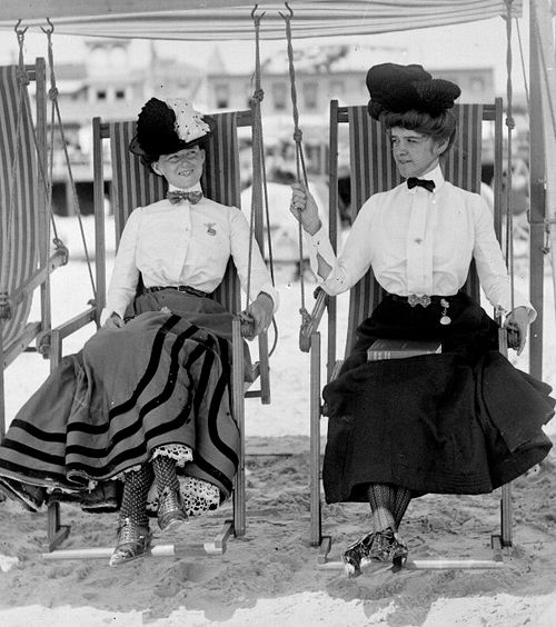 How in the world did men and women wear things like this is the SUMMER...beats me. This is a photo of two ladies in Atlantic City in the early 1920s