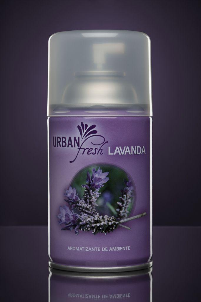 El aroma LAVANDA tiene un dulce aroma floral herbáceo con un trasfondo balsámico, inspirados en campos agrestes de lavanda. Esta fragancia transmite calma, paz y tranquilidad.
