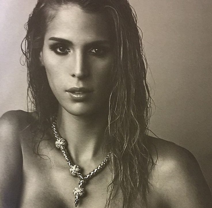 Carmen Carerra                                                                                                                                                     Más