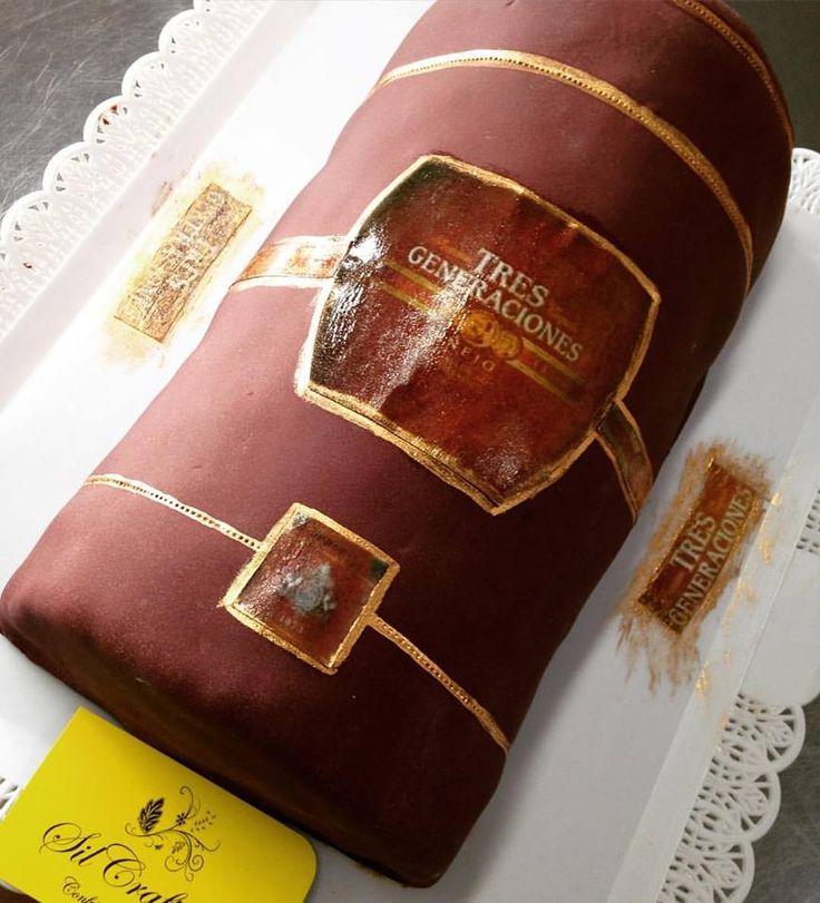 Bolo de chocolate com trufa carregado na bebida kkk #tequila #tresgeneraciones #caixatequilatresgeracoes