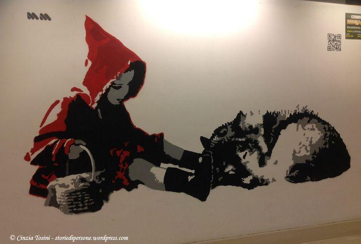 I bellissimi #murales degli studenti del Liceo Artistico Umberto Boccioni di #Milano, presenti sulle pareti del corridoio sotterraneo della fermata 'Stazione Garibaldi' della metropolitana.