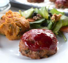 Mini Paleo Turkey Meatloaves   Read more at: http://www.ourpaleolife.com/recipe/mini-paleo-turkey-meatloaves-merit-fork/