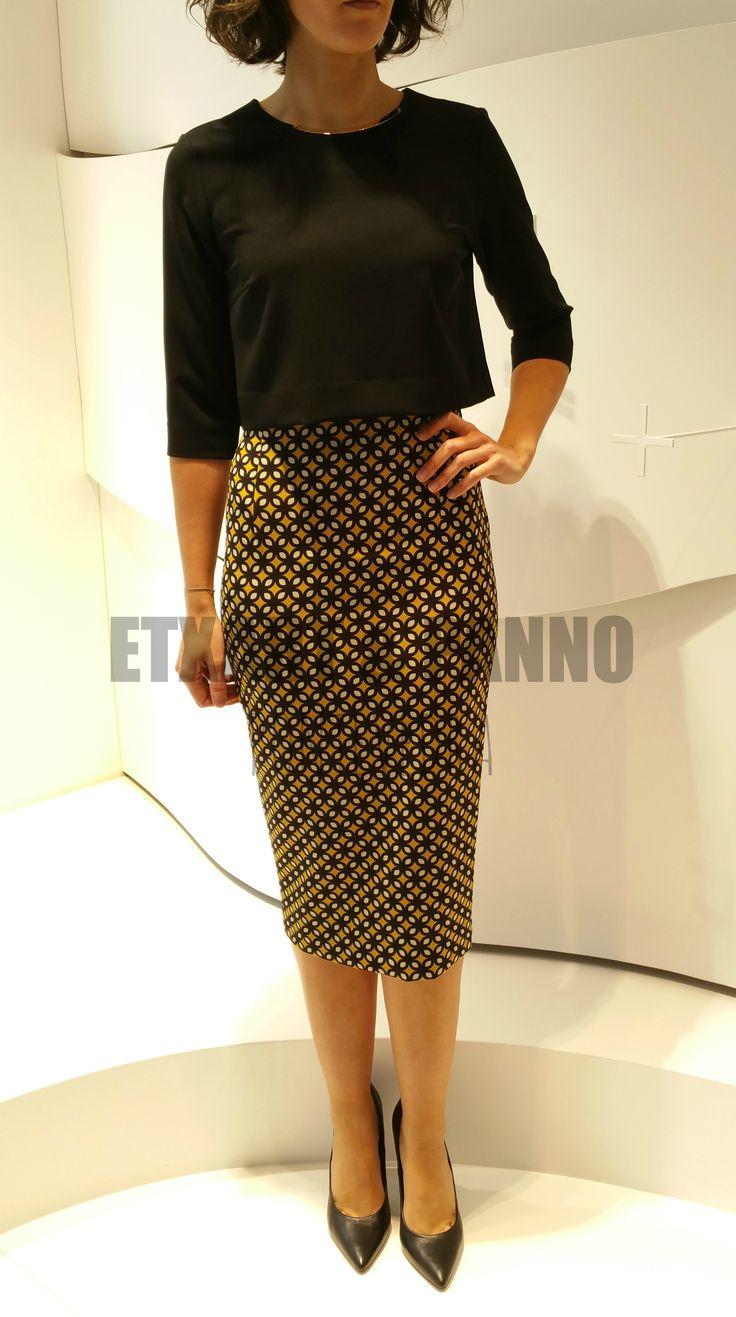 Morin top y Stella skirt (crop top recto con detalle metálico en el cuello y falda tubo con cremallera trasera de doble apertura) FW15 Etxart&Panno Pontevedra