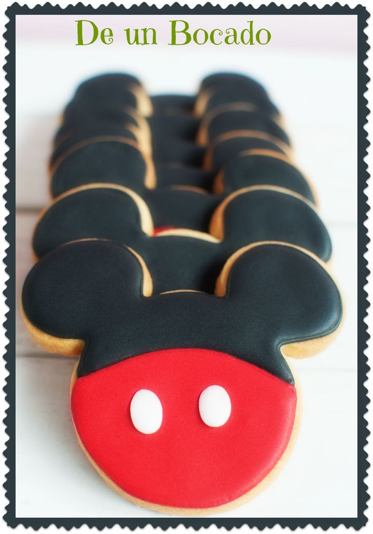Mickey Mouse cookies   Galletas de Mickey Mouse
