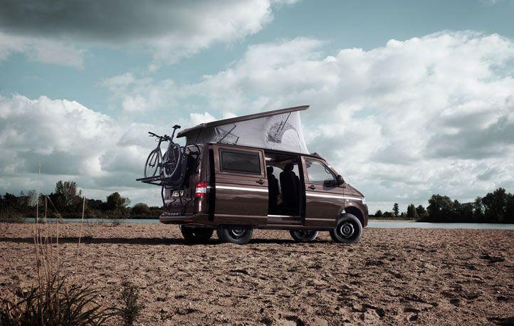 vw t5 camper mit offroad fahrwerk und reserveradtr ger. Black Bedroom Furniture Sets. Home Design Ideas