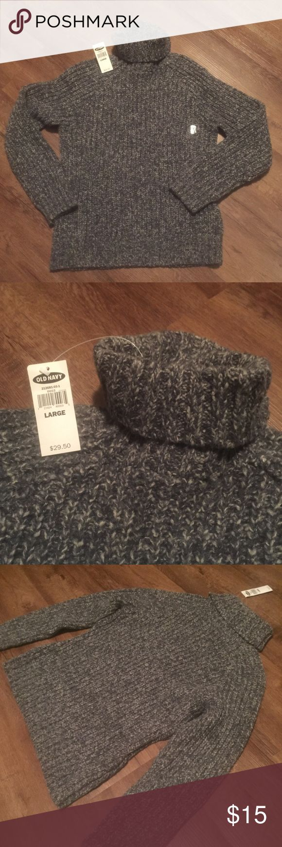 🎀NWT Grey Old Navy Sweater🎀 Grey turtleneck sweater  NWT  Size Large Old Navy brand Super cozy and ready for winter weather Old Navy Sweaters Cowl & Turtlenecks