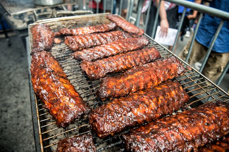 St. Louis' World-Class BBQ Festival at Kiener Plaza  St. Louis, MO/September 29, 2017 (STLRestaurant.News) -- Some of the best pitmasters in the country are packing up their grilling gear and heading to St. Louis for the third annual Q in the Lou S...