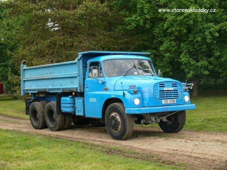 Tatra T148.