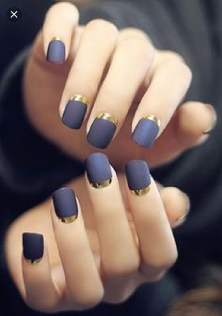 Navy and gold nails!