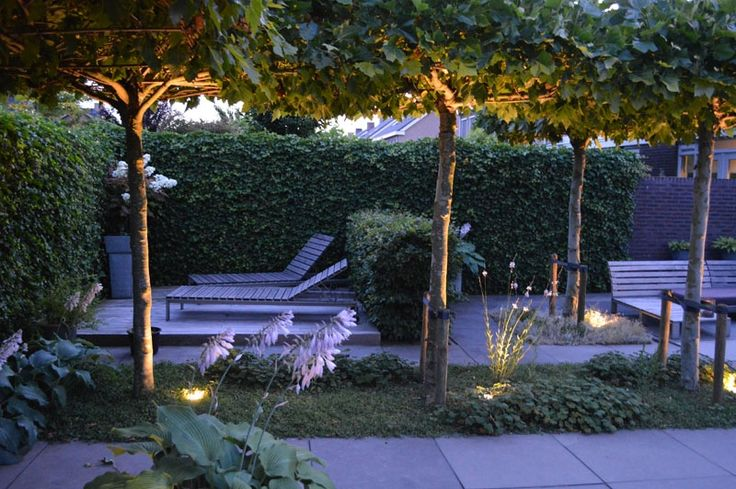 Jaren30woningen.nl | Sfeervolle tuin bij een #jaren30 woning