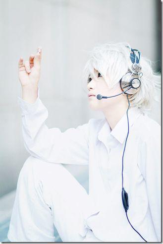 Death Note - Near, so white....so pretty....