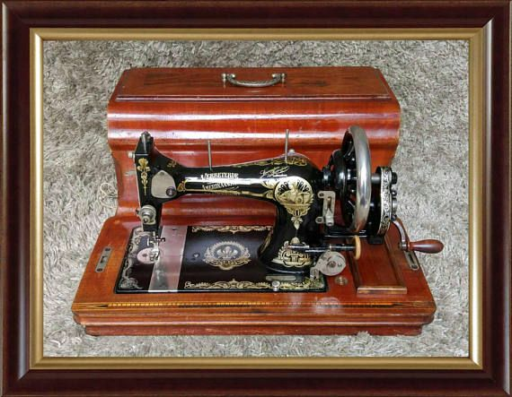 *** Sold *** | Gritzner R | Lewenstein | Antique Sewing Machine | Germany 1920s | Top Condition |  Buy it Now or Make an Offer! | Worldwide Shipping ✔ FREE Shipping to 25 Countries in Europe | ♦mad-mouse.com |  #MadMouseAntiques | #ebay #ebayshop #ebayseller #gritzner #nähmaschine #sewingmachine #sewing #handmade #diy #sewingpattern #macchinadacucire #machineàcoudre #maquinadecoser #interiors #interiordecor #interiordesigner