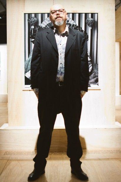 Edu Corelli veste blazer Zegna, camisa Cavalera, calça Mario Queiroz e sapato Rick Owens #StreetStyle #SPFW