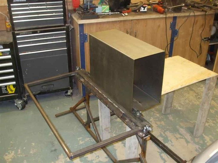 Sheet Metal Bender by IrishCJ6 -- Homemade sheet metal bender capable of bending 1.5mm sheets of up to 650mm in width. M12 bolts were utilized as hinge pins. http://www.homemadetools.net/homemade-sheet-metal-bender-3