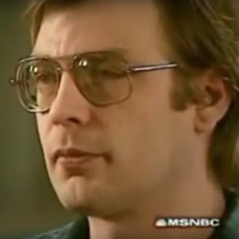 Confessions of a Serial Killer: Jeffrey Dahmer (1994) | 19 Serial Killer Documentaries That'll Scare The Hell Out Of You