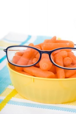 Eat right to protect your sight. You've heard carrots are good for your eyes. But eating a diet rich in fruits and vegetables, particularly dark leafy greens such as spinach, kale, or collard greens is important for keeping your eyes healthy, too. Research has also shown there are eye health benefits from eating fish high in omega-3 fatty acids, such as salmon and tuna, so eat up!  #Eatright #Eyecare #Nutrients