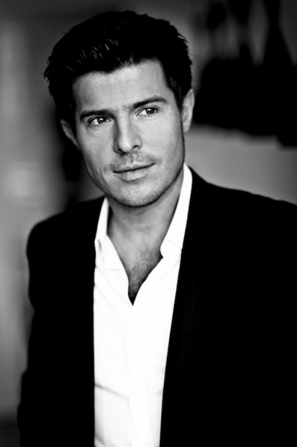 All The Girls Standing In The Line For The Bathroom: 1000+ Images About Vincent Niclo On Pinterest