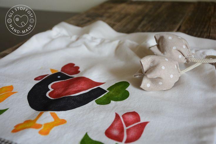 La passione per lo stencil è nata quando ero poco più che una bambina…mi divertivo a decorare magliette con i personaggi della Disney…era una tale soddisfazione indossare quelle t-shir…