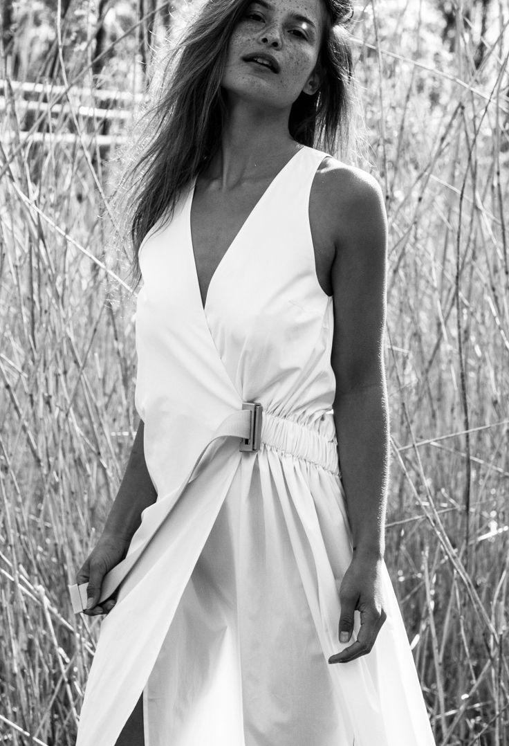Her(e comes the sun). Laura van Ree wearing Acne Studios dress (via De Bijenkorf), by Sabrina Meijer. / intoIT magazine.