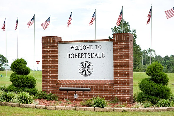robertsdale senior singles Interactive and printable 32533 zip code maps, population demographics, cantonment fl real estate costs, rental prices, and home values.