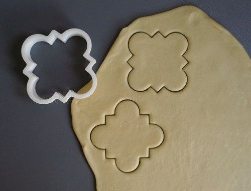 I'm loving these 3D printed cookie cutters in modern geometric patterns and shapes