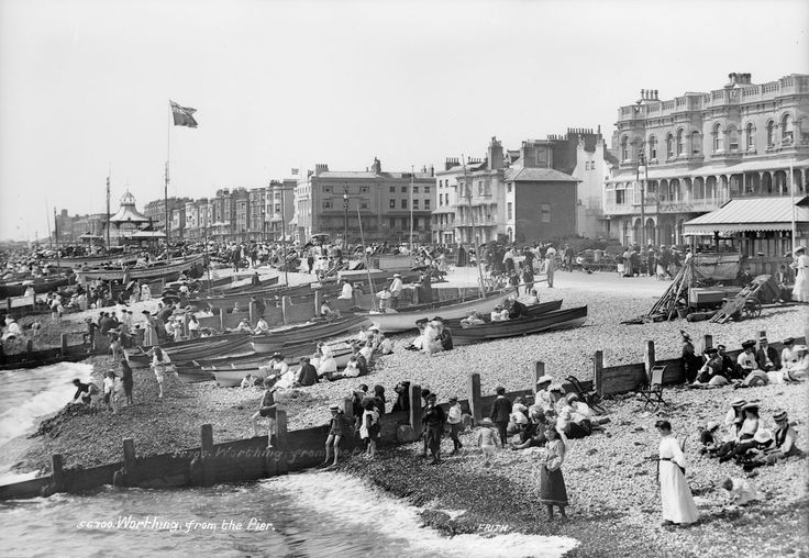 View from the pier, Worthing, Sussex - National Maritime Museum