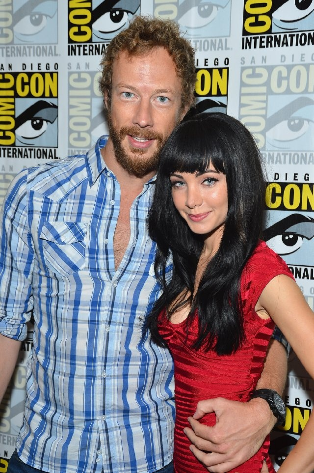 Kris Holden-Ried and Ksenia Solo at event of Lost Girl. He's so cute & she's hot too. ;-)