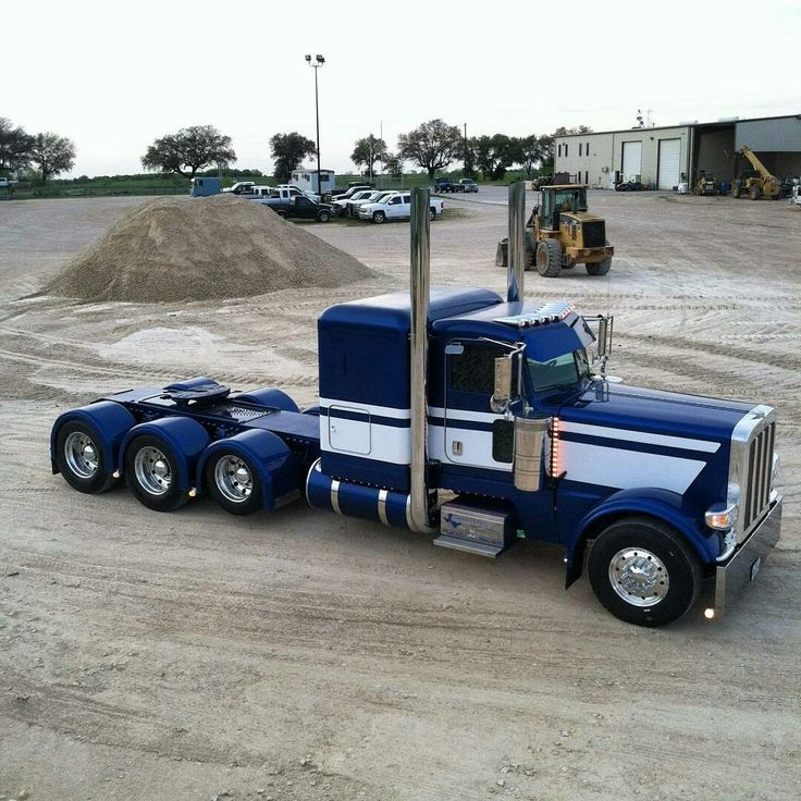 Peterbilt custom 389 heavy haul