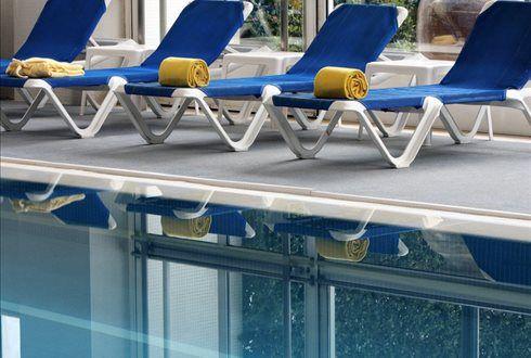 Na Praia de Lavadores, junto à foz do Douro, durma tranquilo num clássico de Gaia, o Casa Branca Beach Hotel. Noite + pequeno-almoço para 2 pessoas + acesso à piscina interior, jacuzzi, banho turco e ginásio por 69€ para 2 pessoas. - Descontos Lifecooler